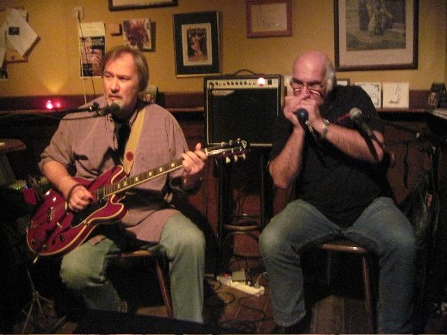 Sunday Live - Vintage Brothers